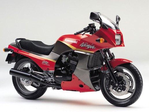 Kawasaki GPz900R - Bike 3