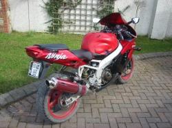 Kawasaki ZX9R - 1999 model - bike 8