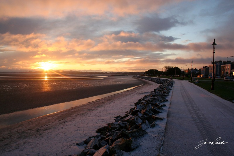 Path along Sandymount seafront