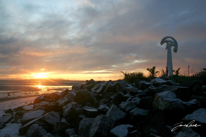 Rocks and a monument at Sandymount beach